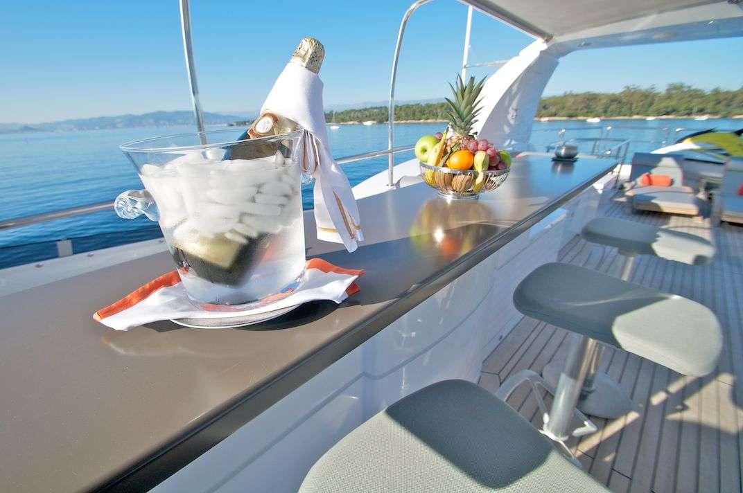 motor yacht GEMS