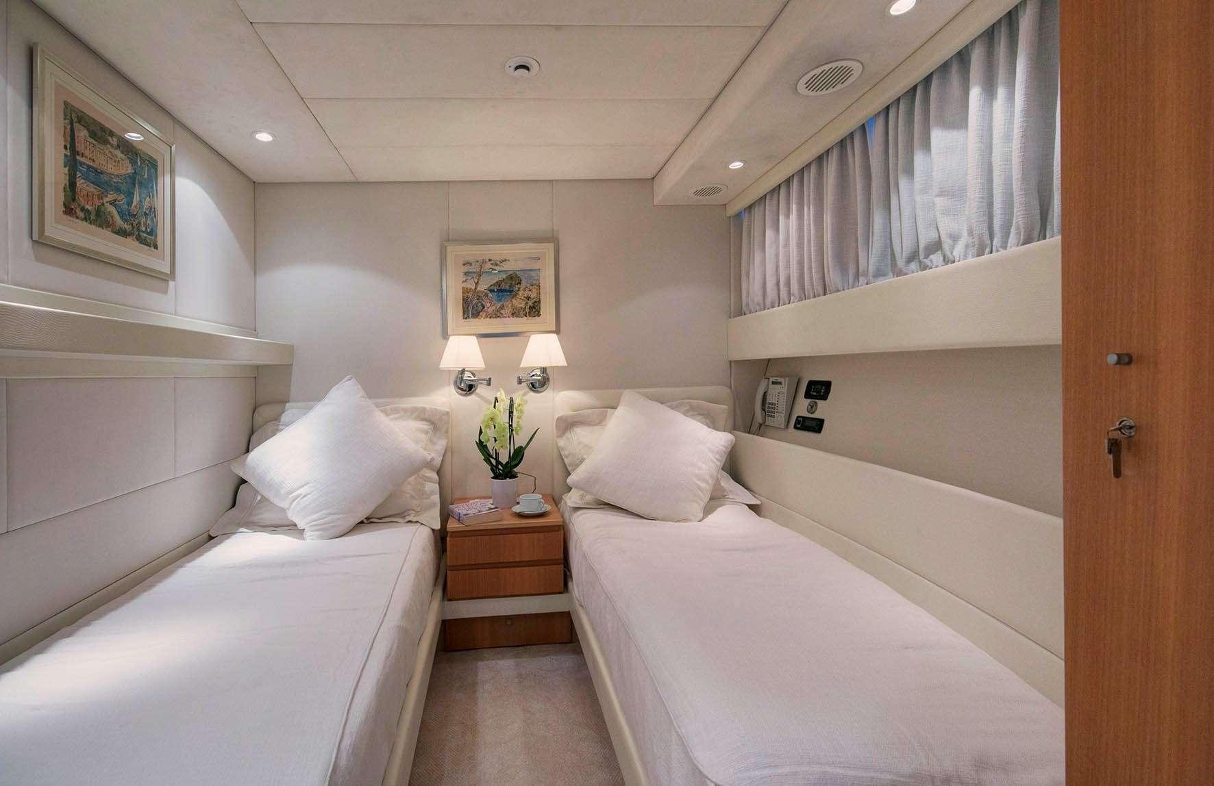 motor yacht Nauta