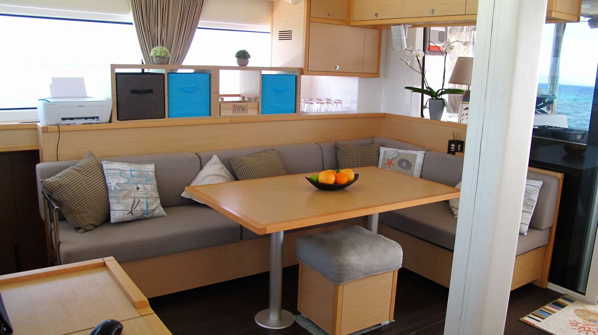 Catamaran Charter Joy 52