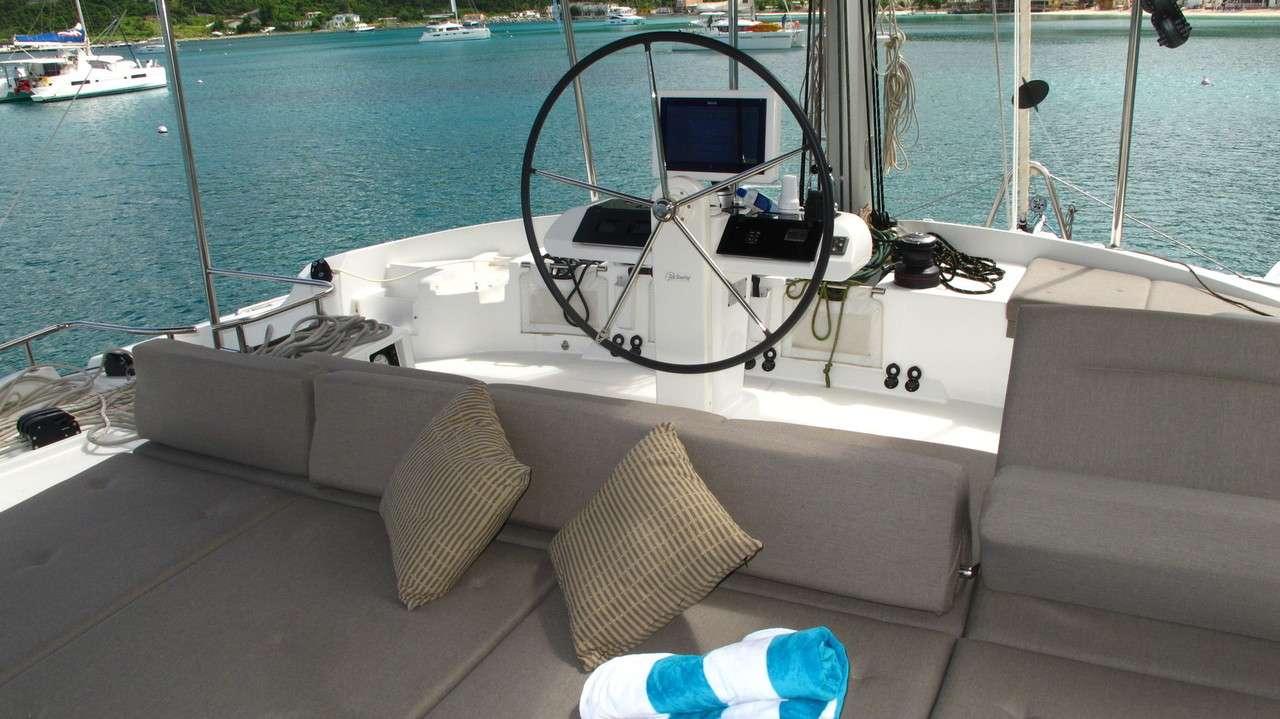 Flybridge Deck Steering & Seating