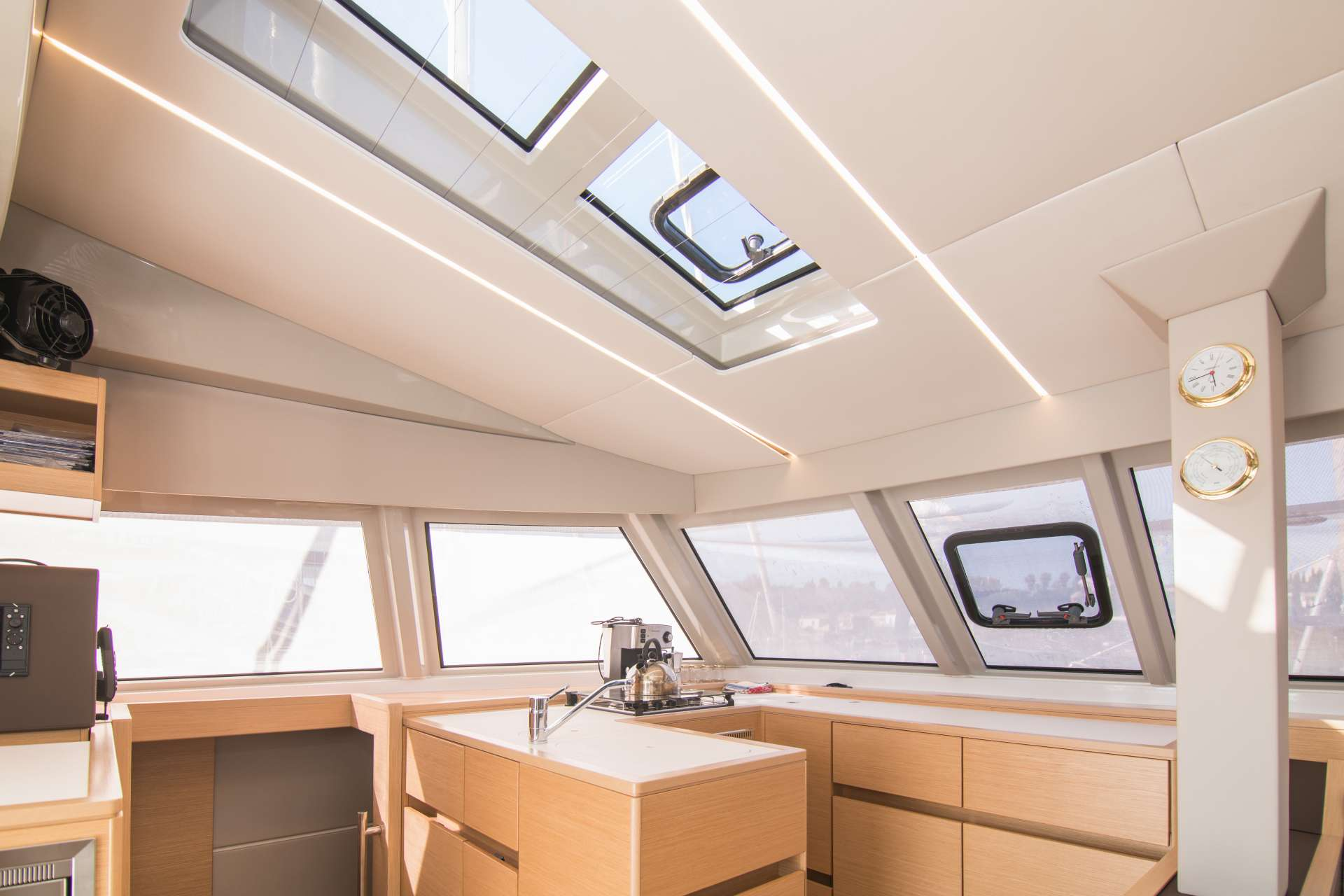 Catamaran Charter Magia Vera