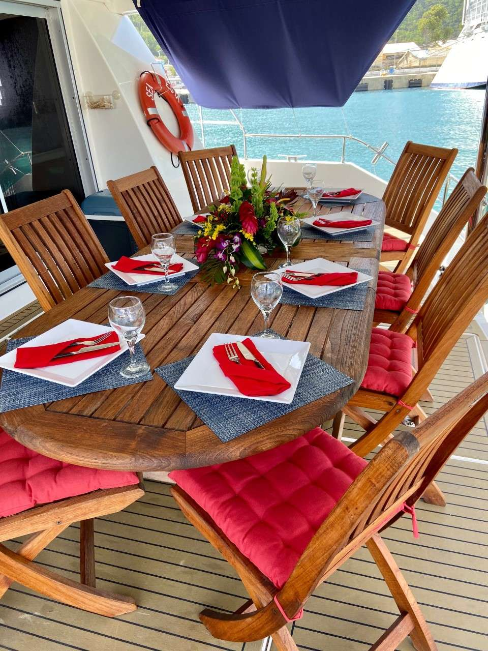 Alfresco dining for up to 10 on the open aft deck.