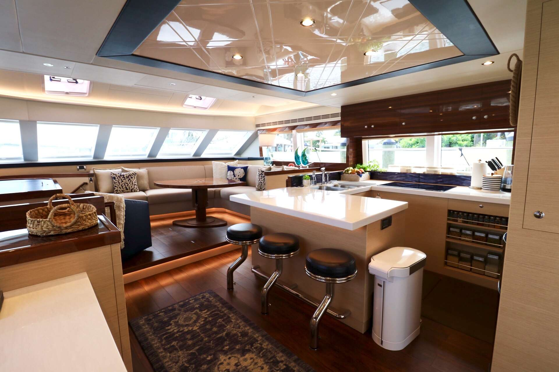GALLEY & SALON