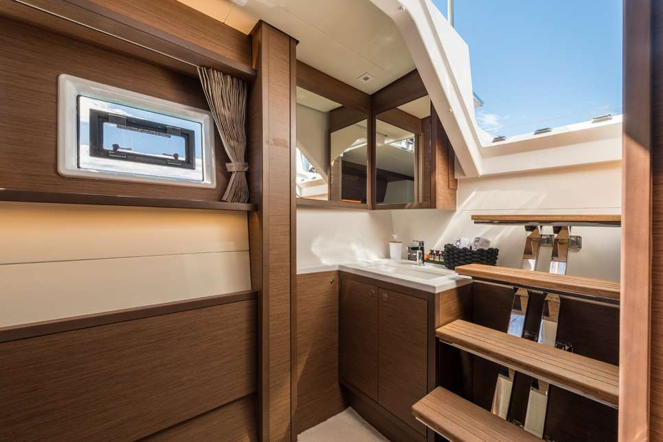 Catamaran Charter Nomad