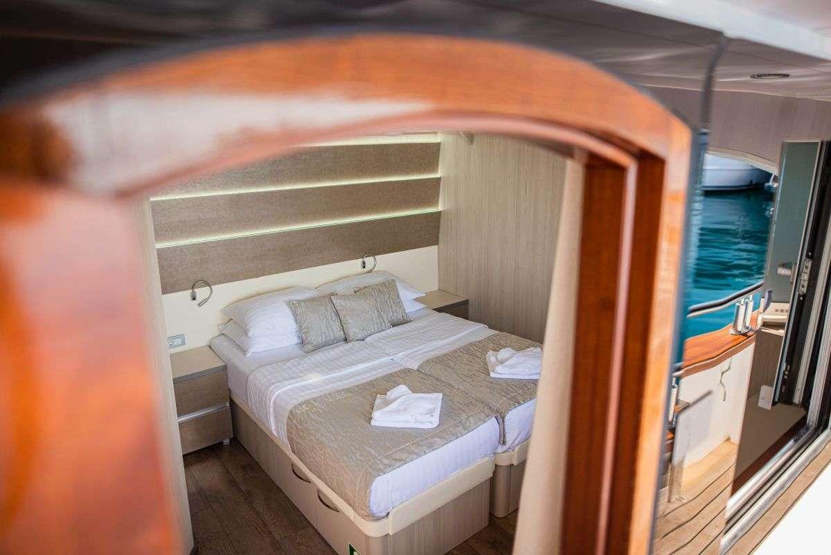 Main deck cabin