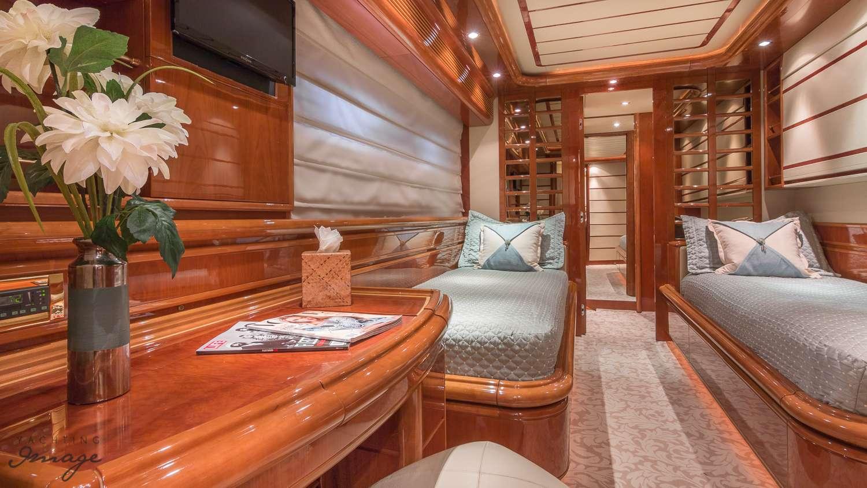 motor yacht PARADISE