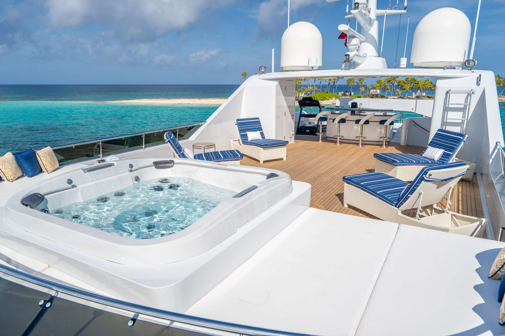 motor yacht RELENTLESS