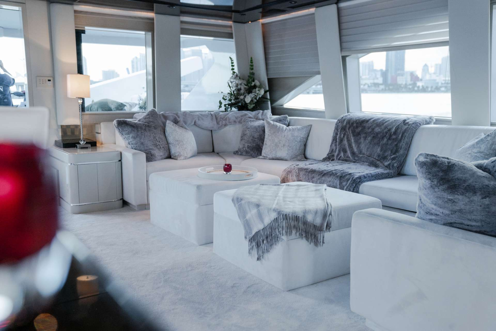 motor yacht INVISION
