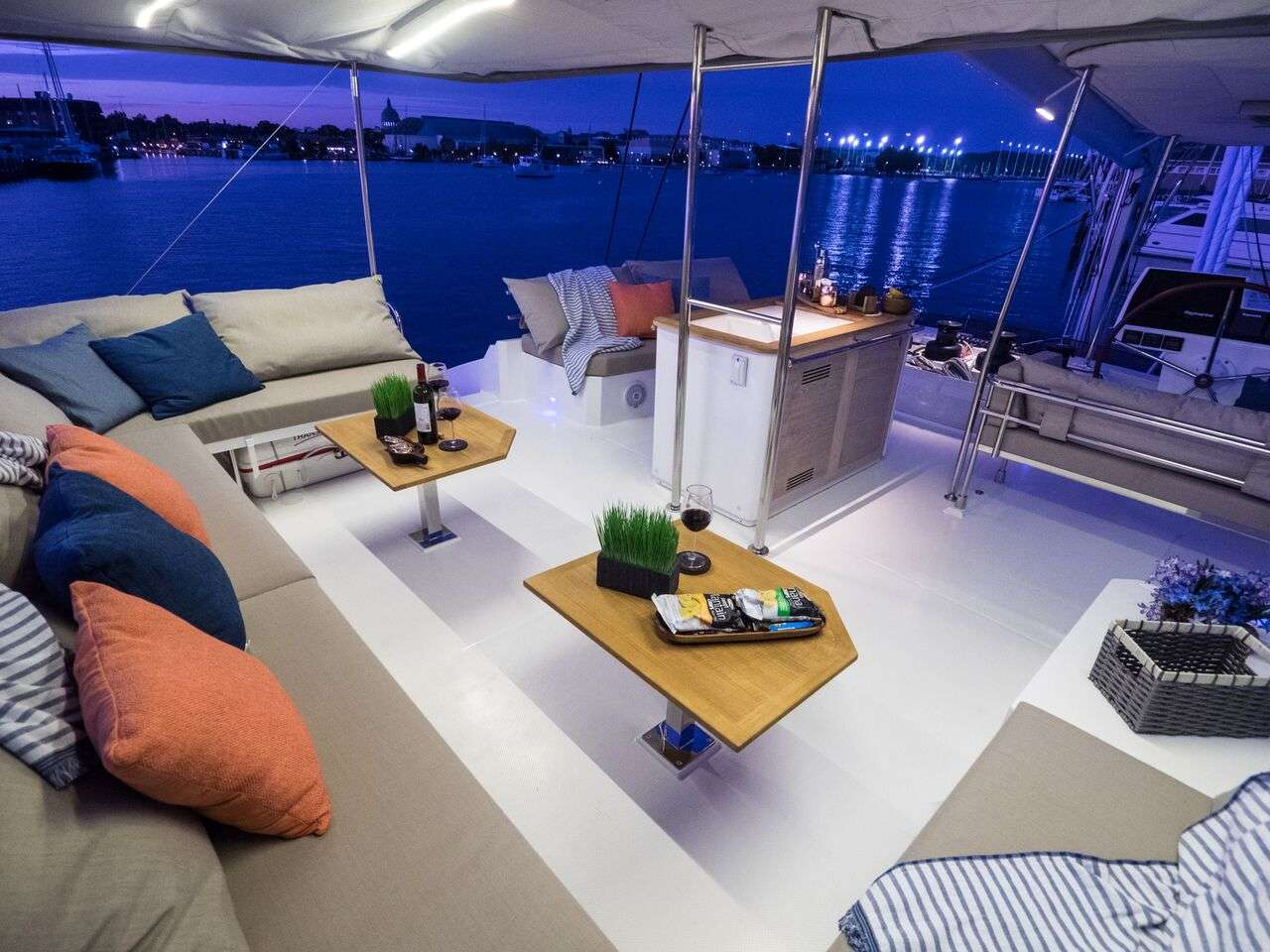 Catamaran Charter Blue Pepper