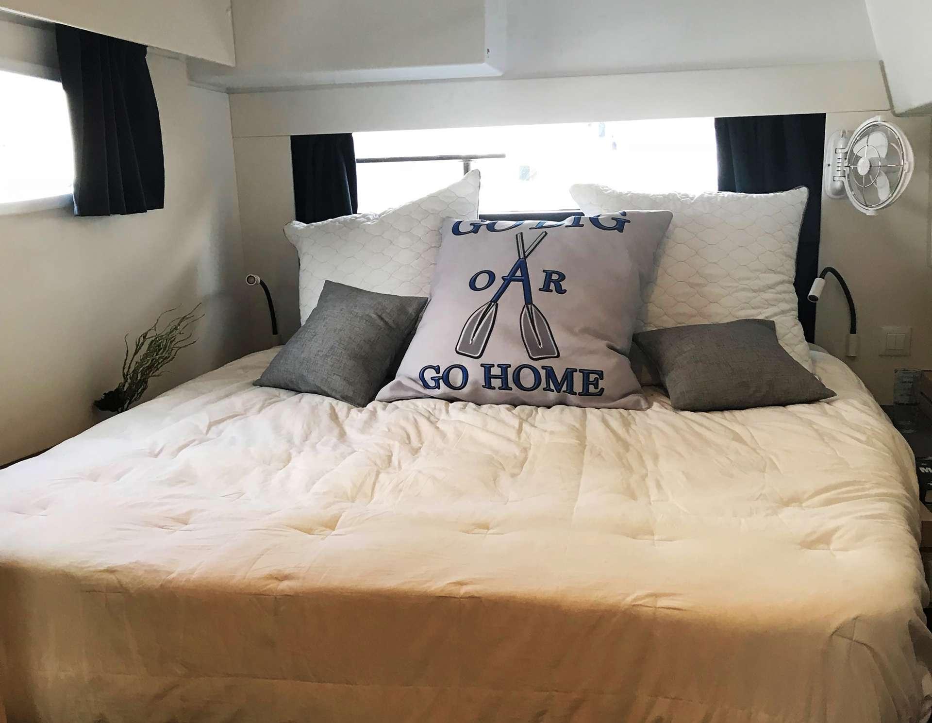 Aft starboard queen cabin