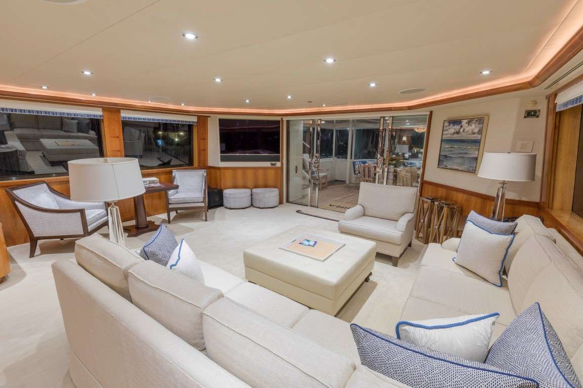 motor yacht Canira