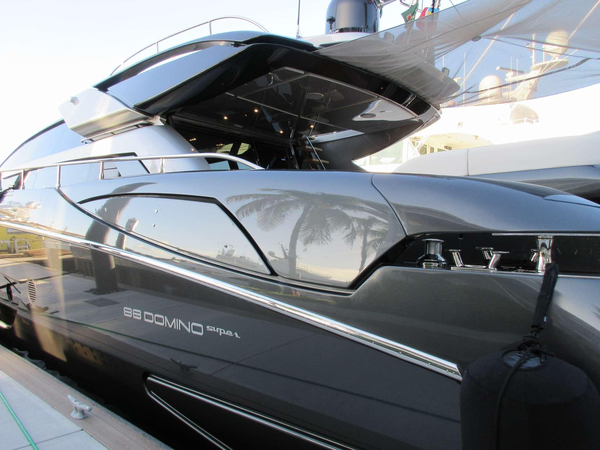 motor yacht CHOP CHOP
