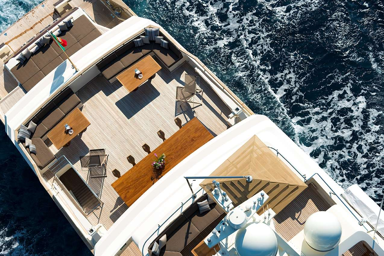 motor yacht Cloud Atlas