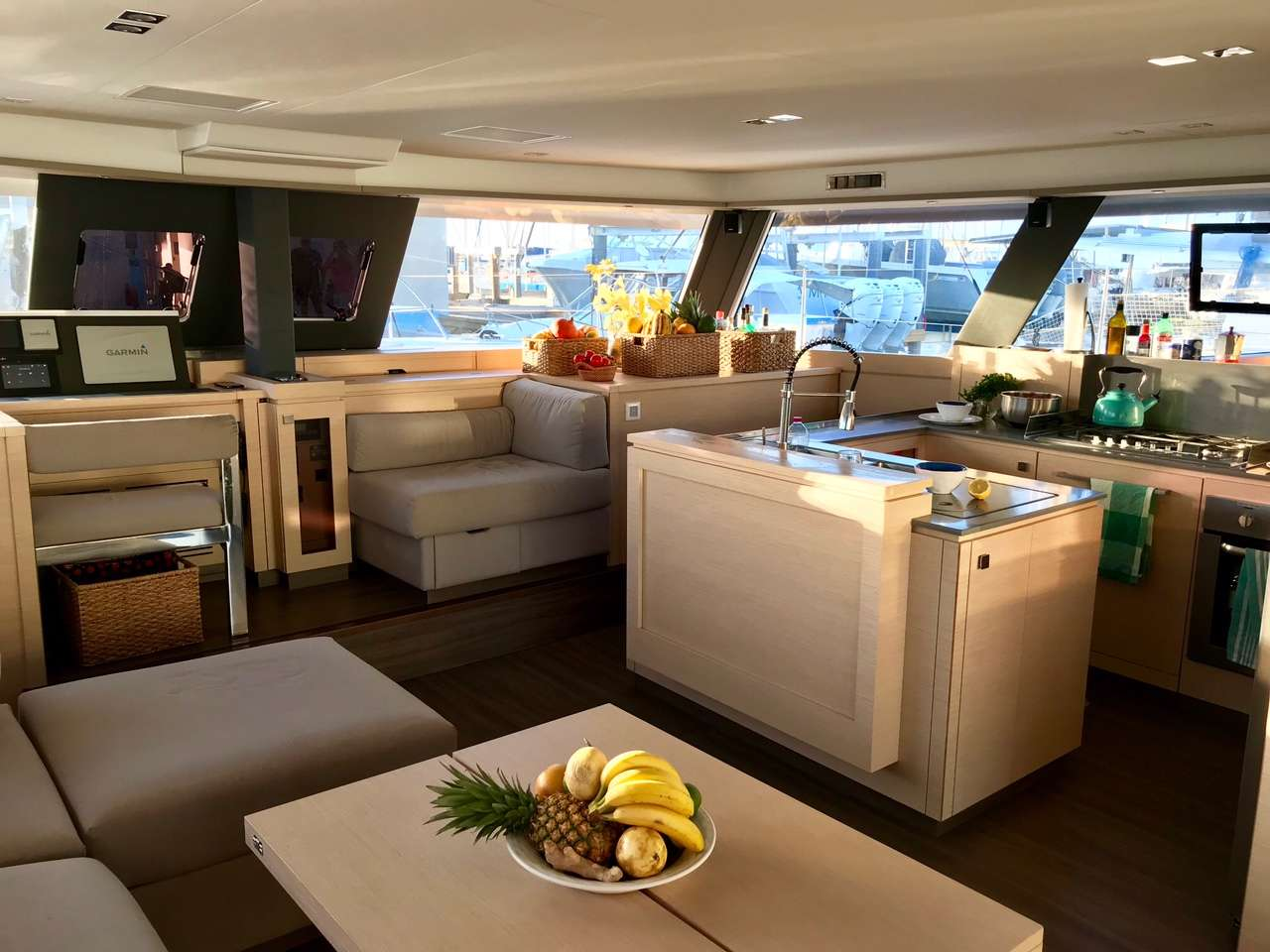 Catamaran Charter Enchante