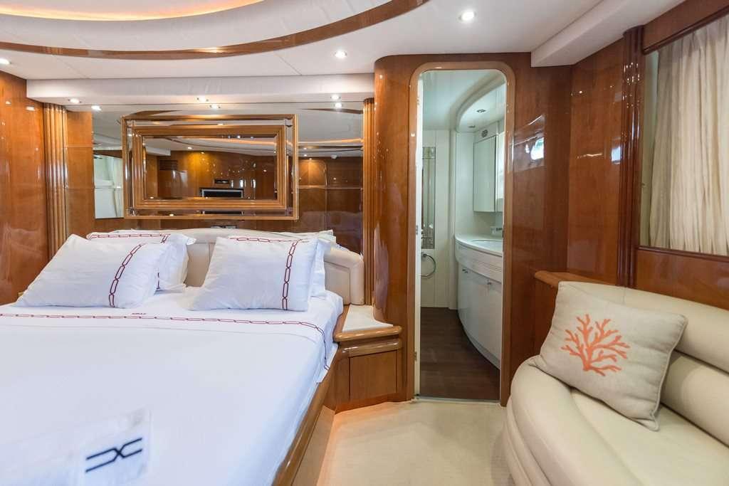motor yacht NISAN