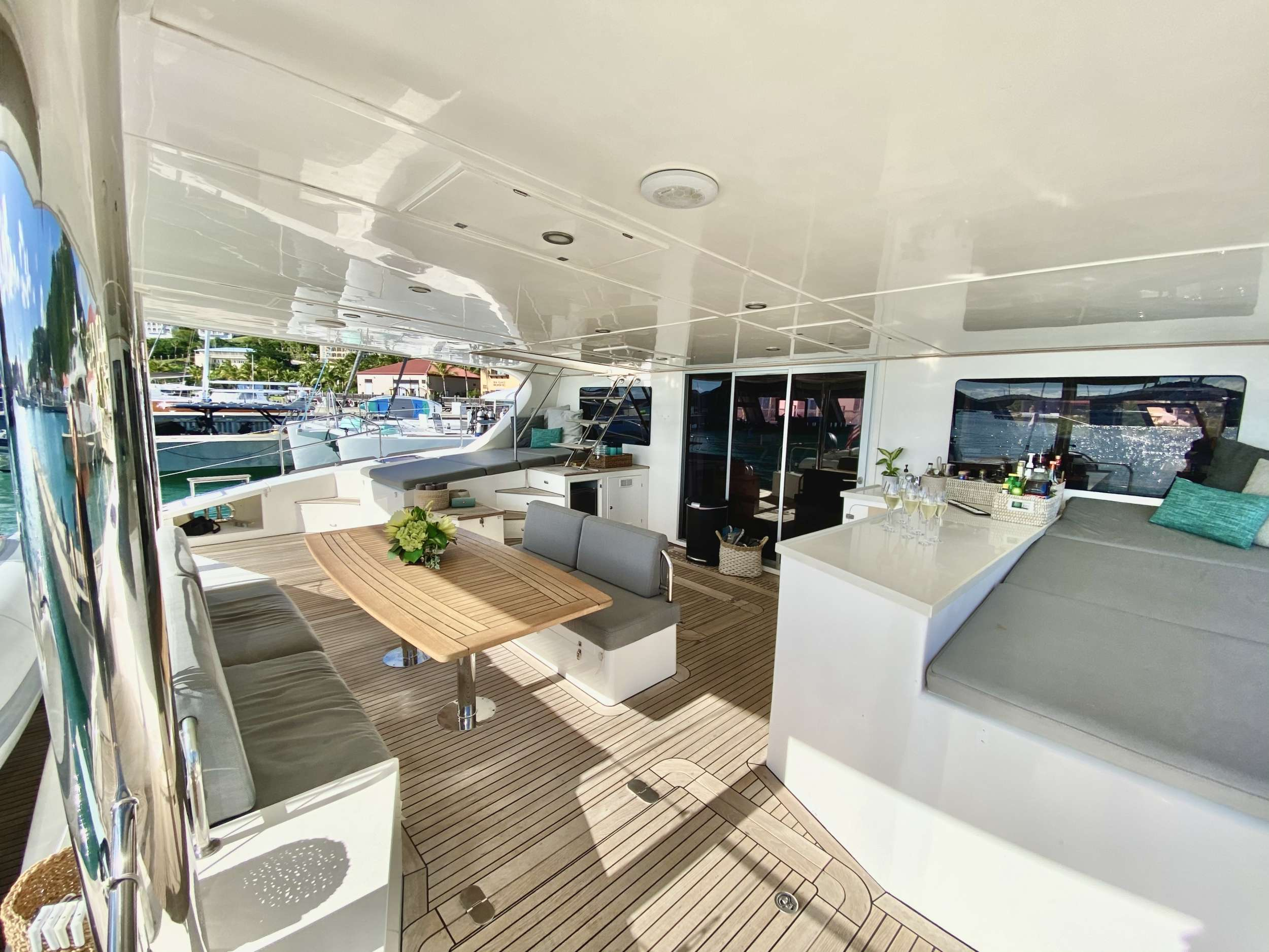 Yacht charter Excess