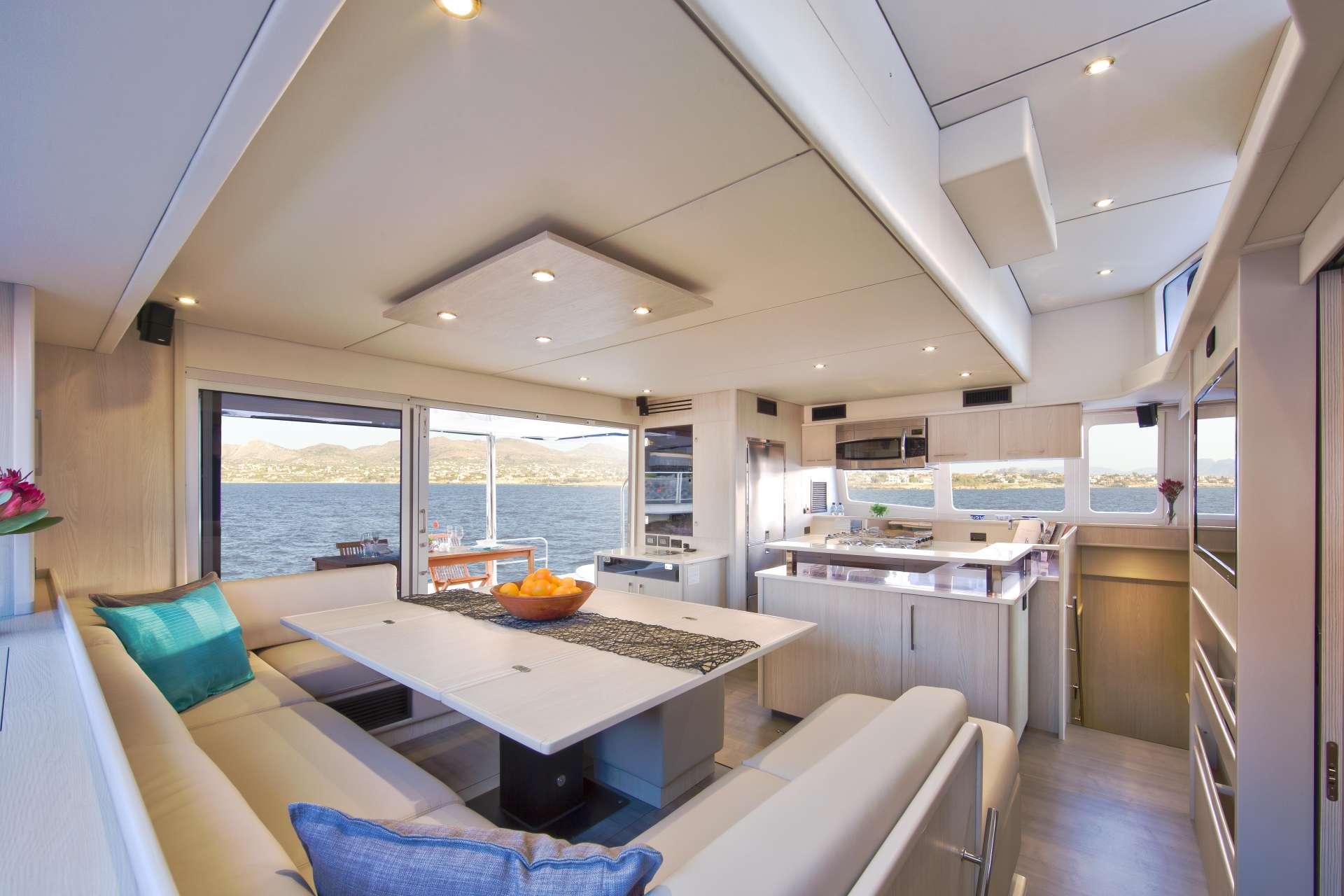 Yacht charter Laurel Lee