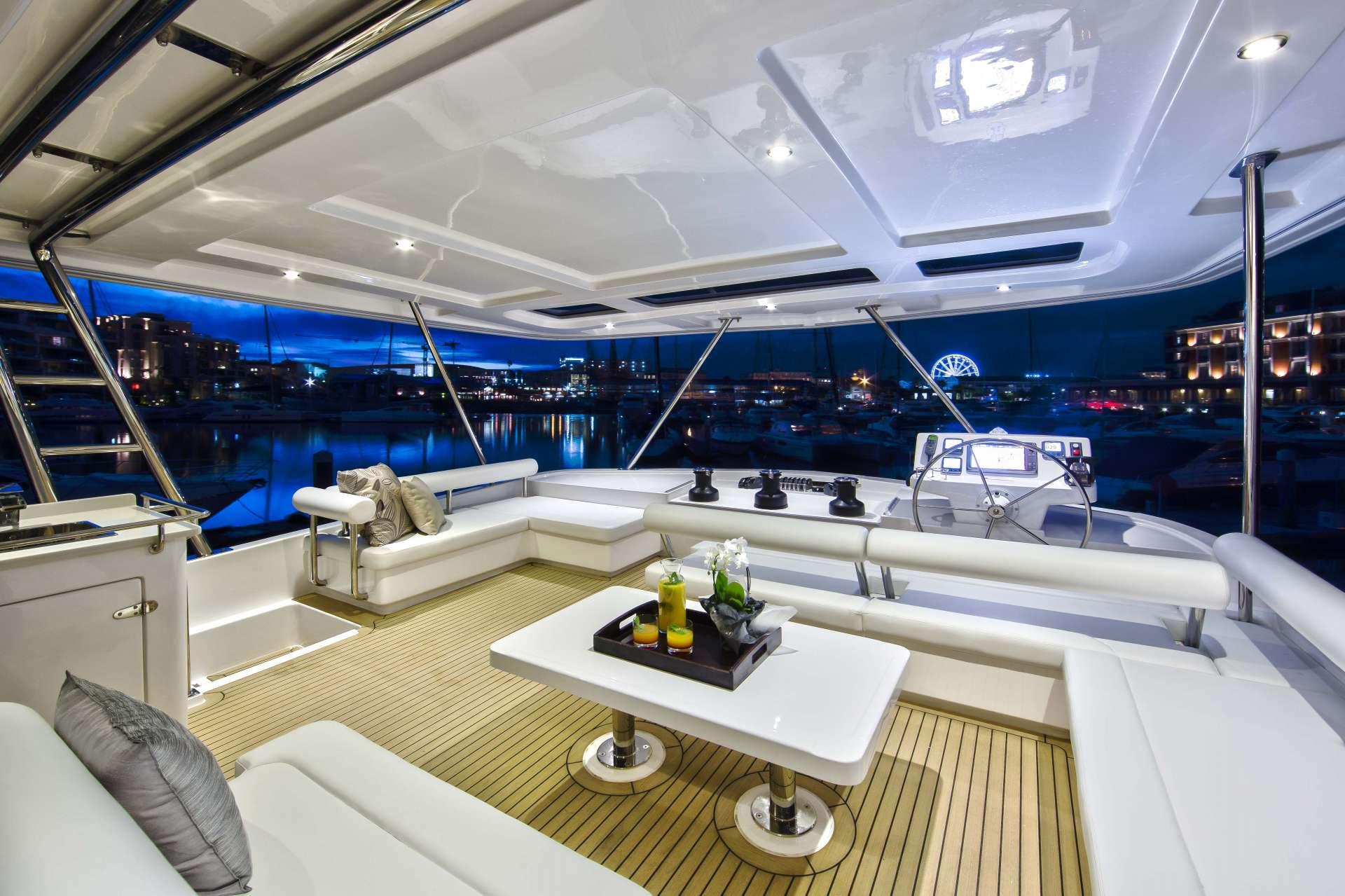 Catamaran Laurel Lee