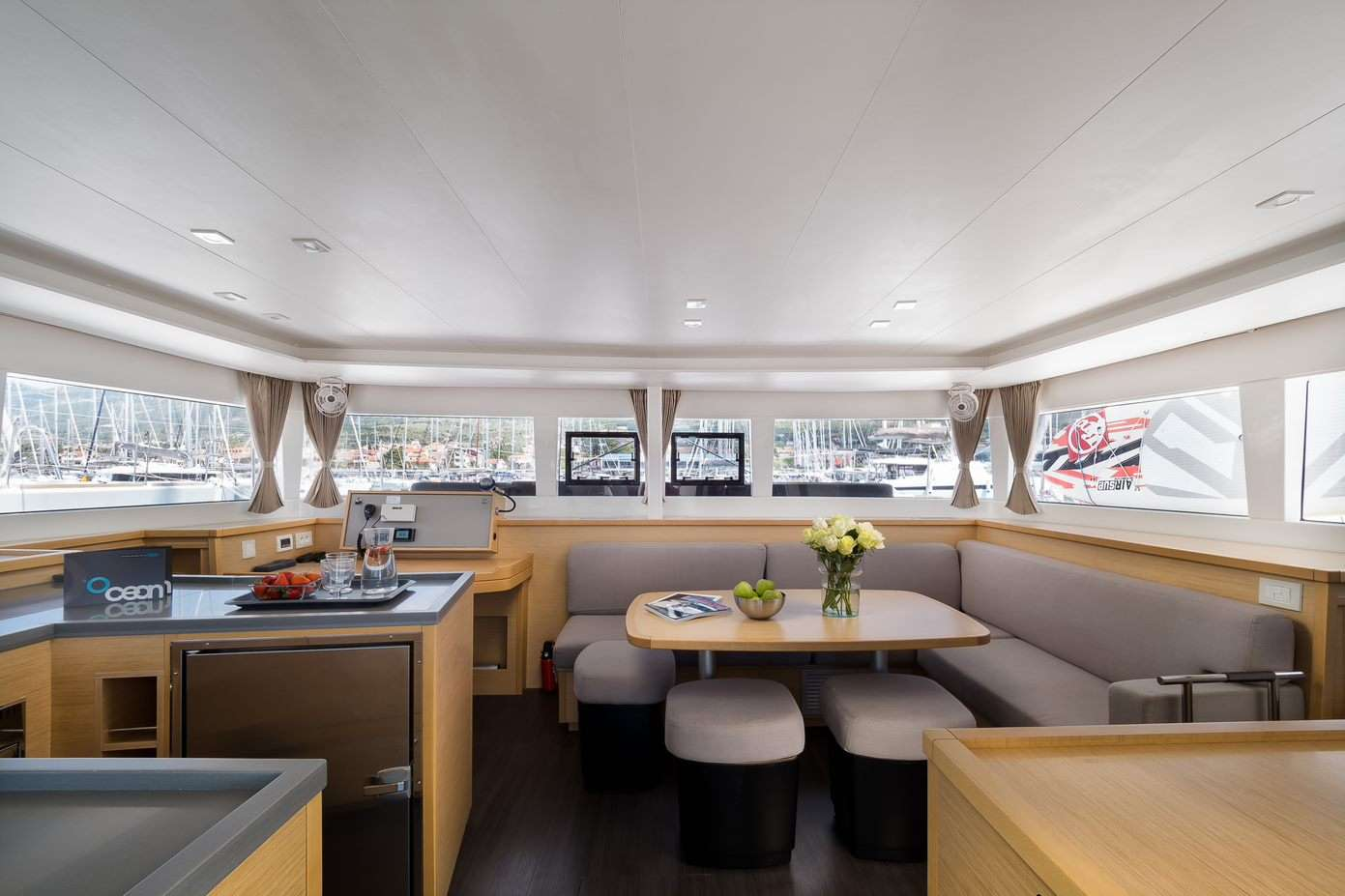 Yacht charter Arctic Prince