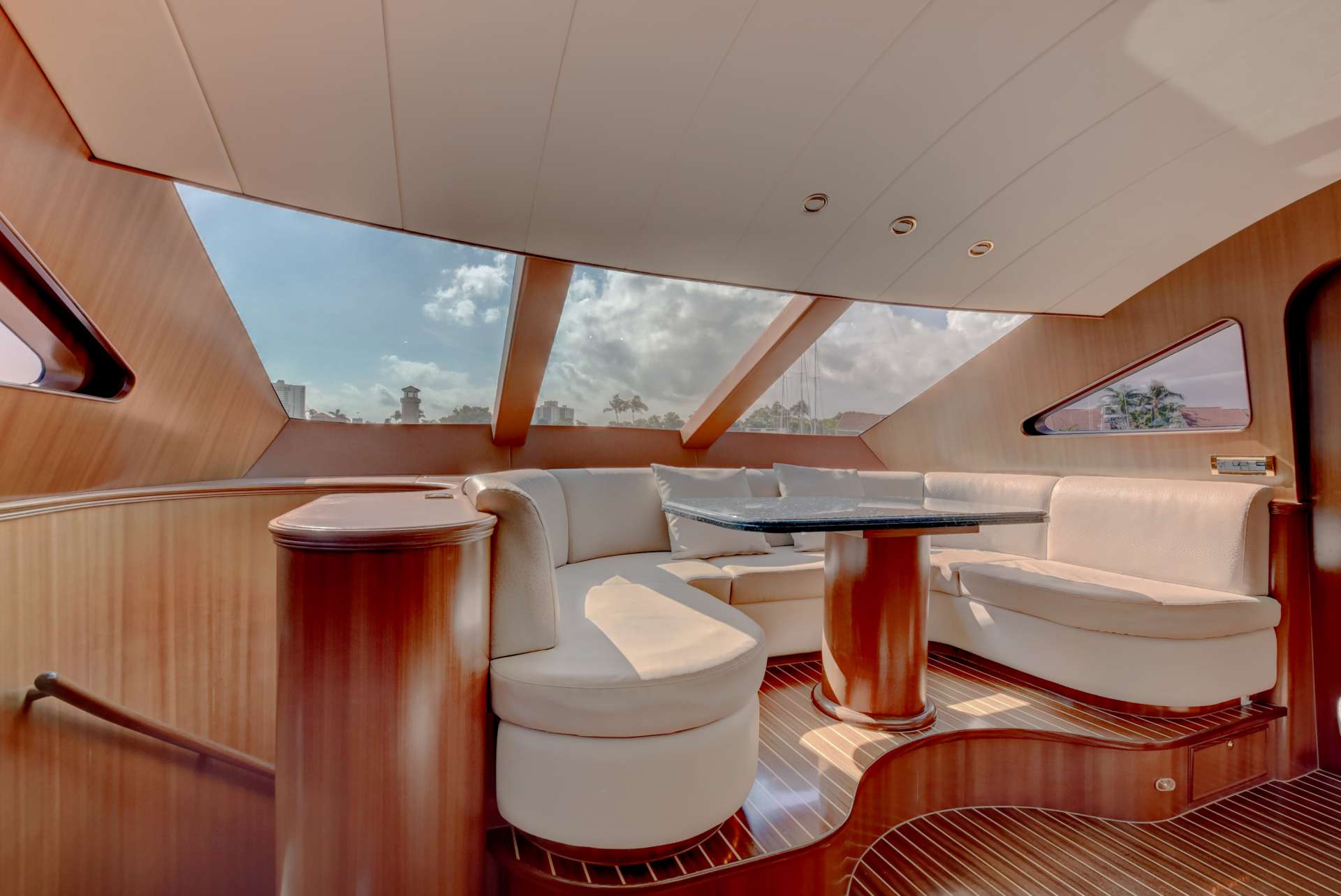 motor yacht LEXINGTON