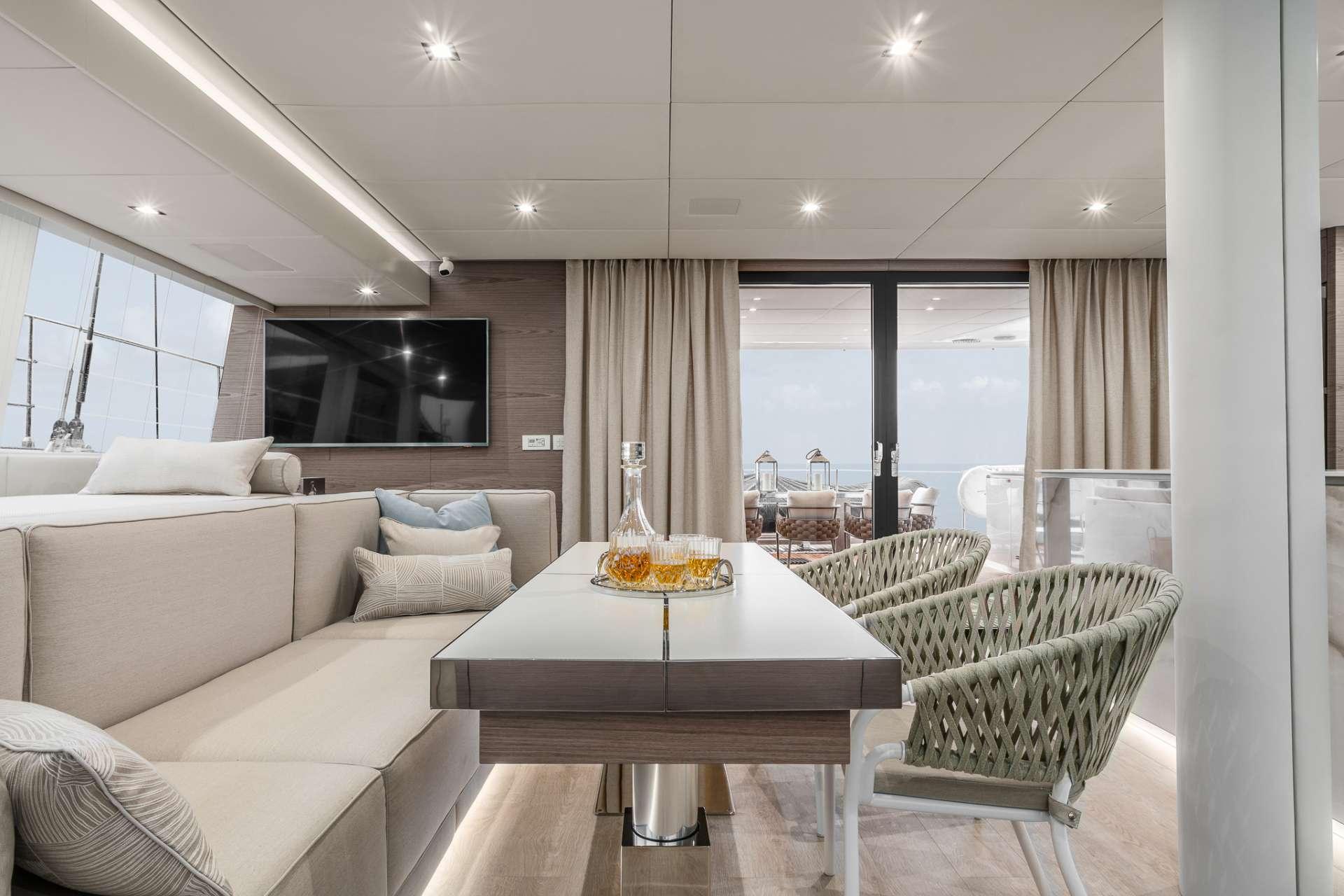 Yacht charter Oca