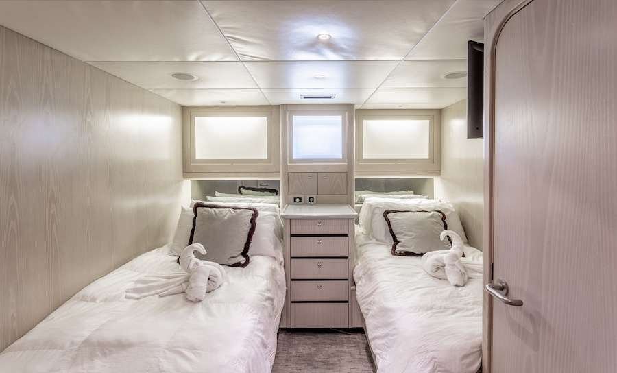 Twin berth guest suite