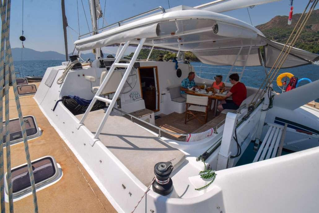 Yacht charter Luna-cat