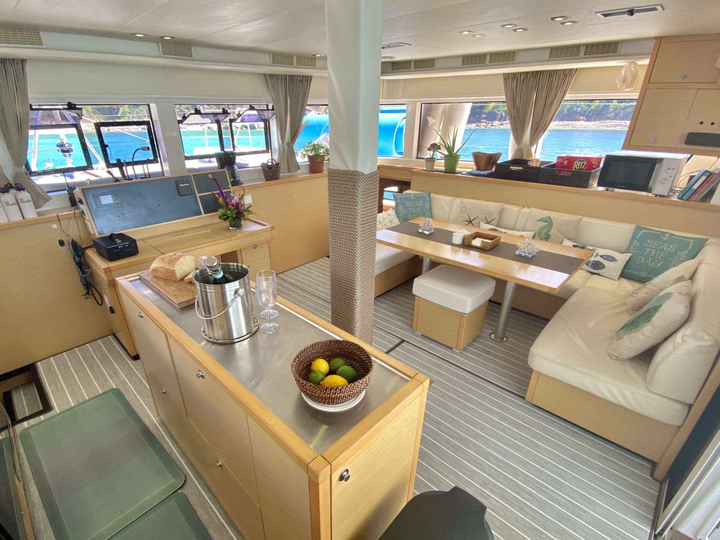 Catamaran Charter Rumba