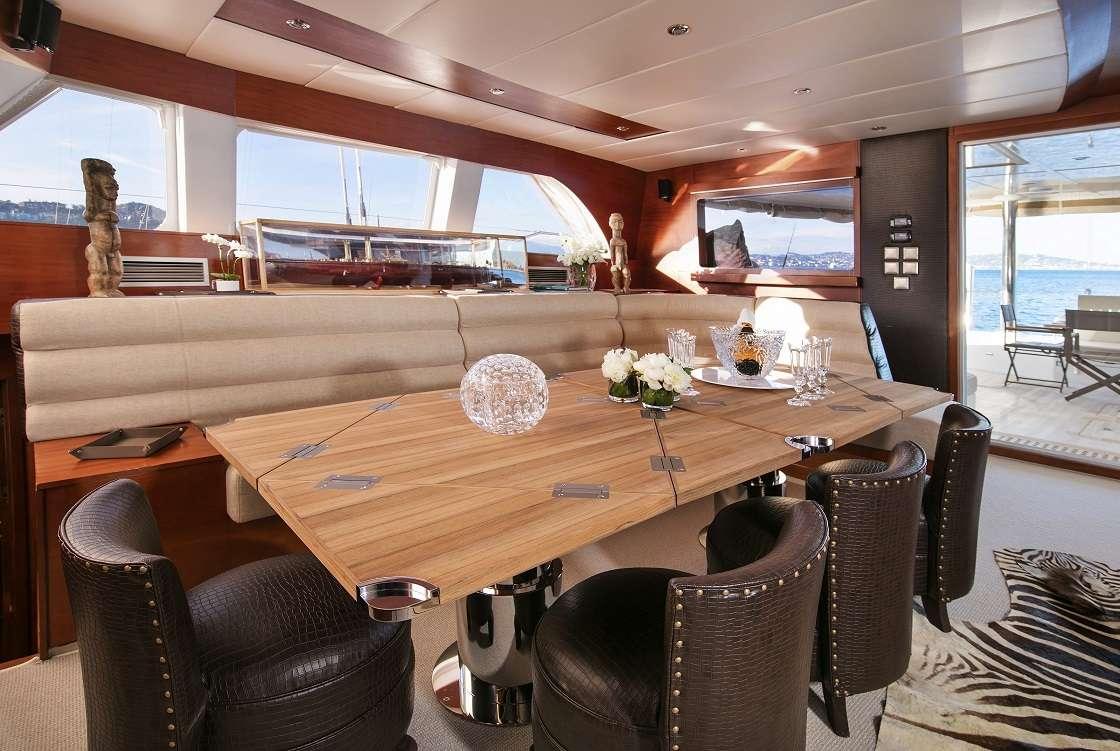 Yacht charter Free Spirit
