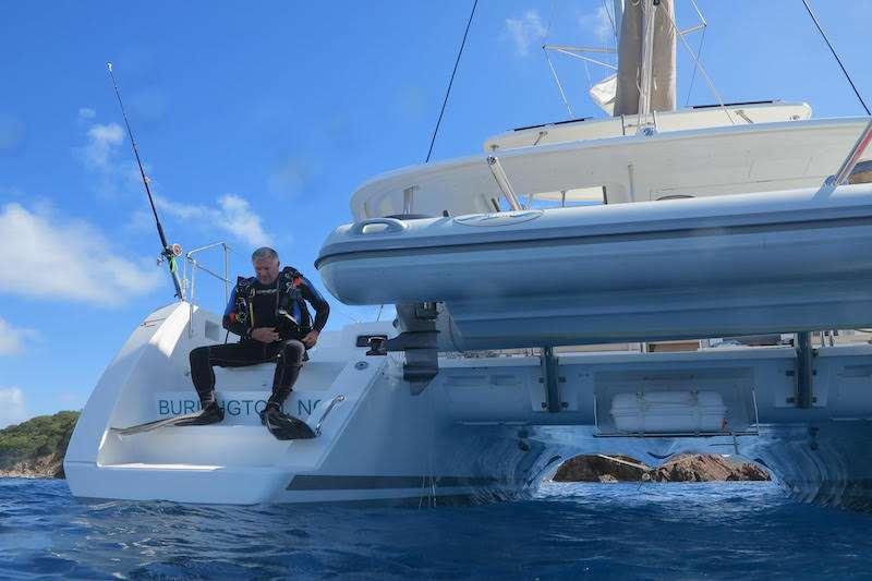 Catamaran Charter Makin