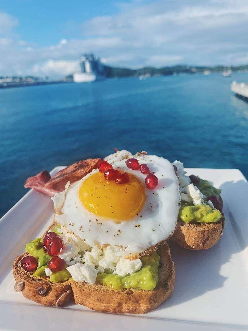 breakfast on makin memories catamaran