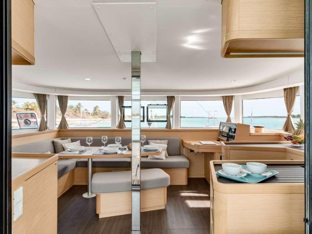 Catamaran Charter L42
