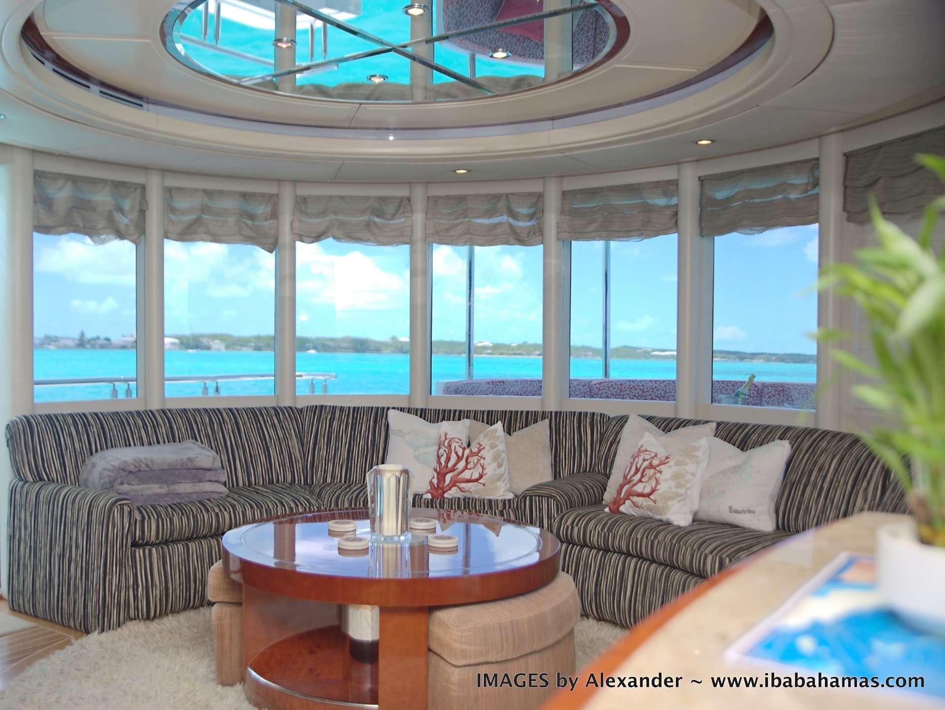 motor yacht DENRAE