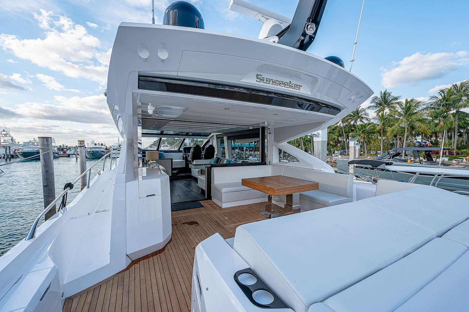 motor yacht Strategic Dreams