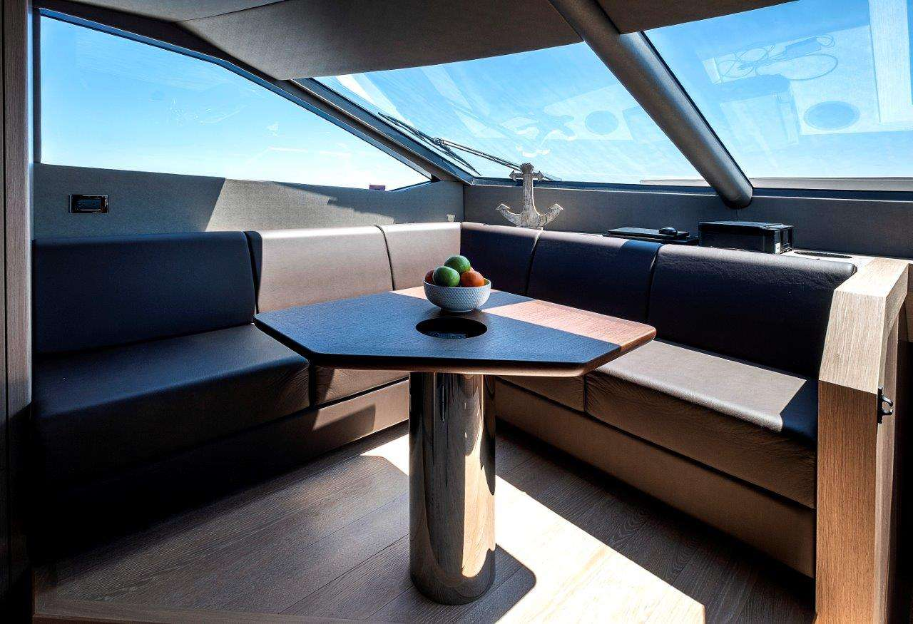 motor yacht Dolce Vita 86