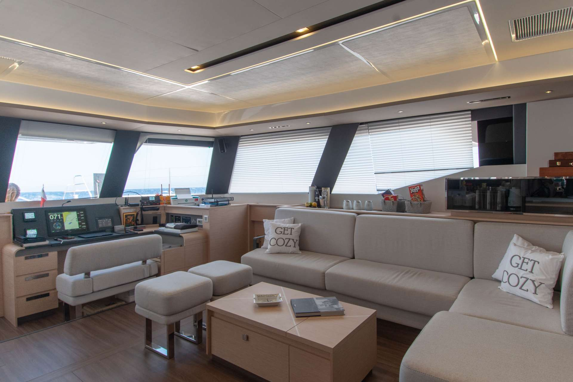 Yacht charter Serenissima
