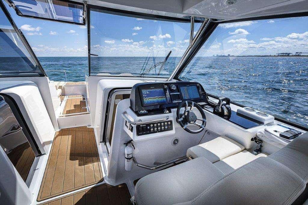Sailing Yacht Island Bender