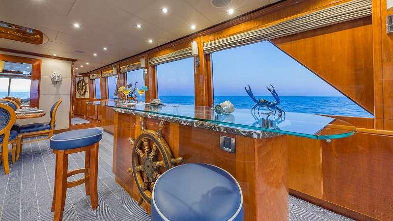 motor yacht HIGH RISE