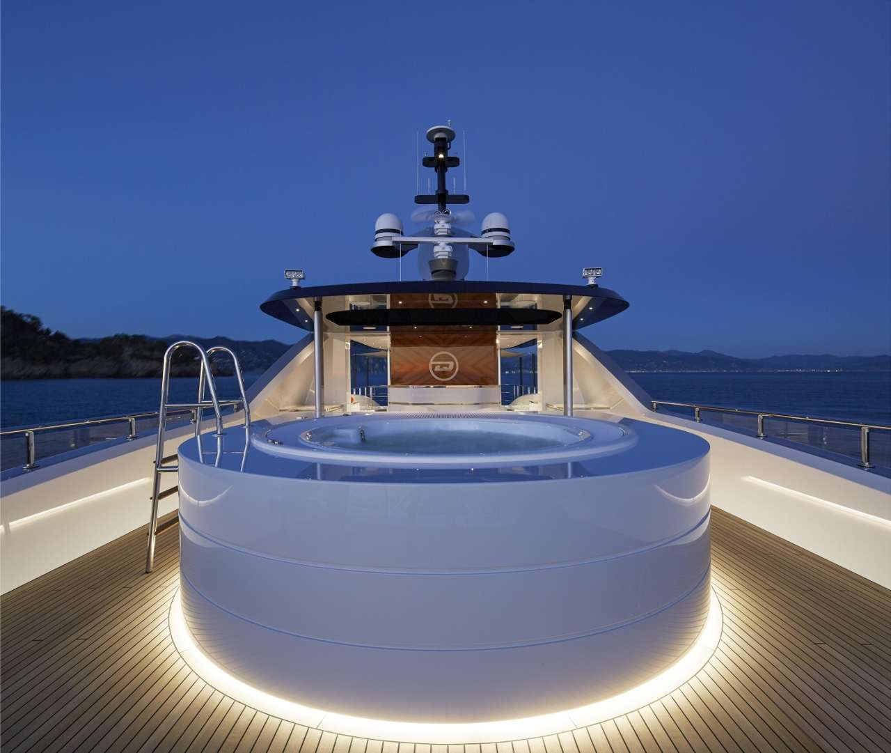 motor yacht Spring