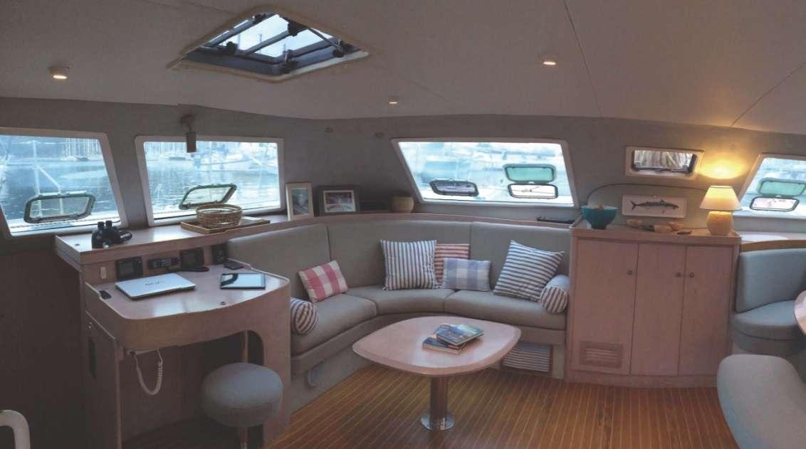 Sailing Yacht Uhuru