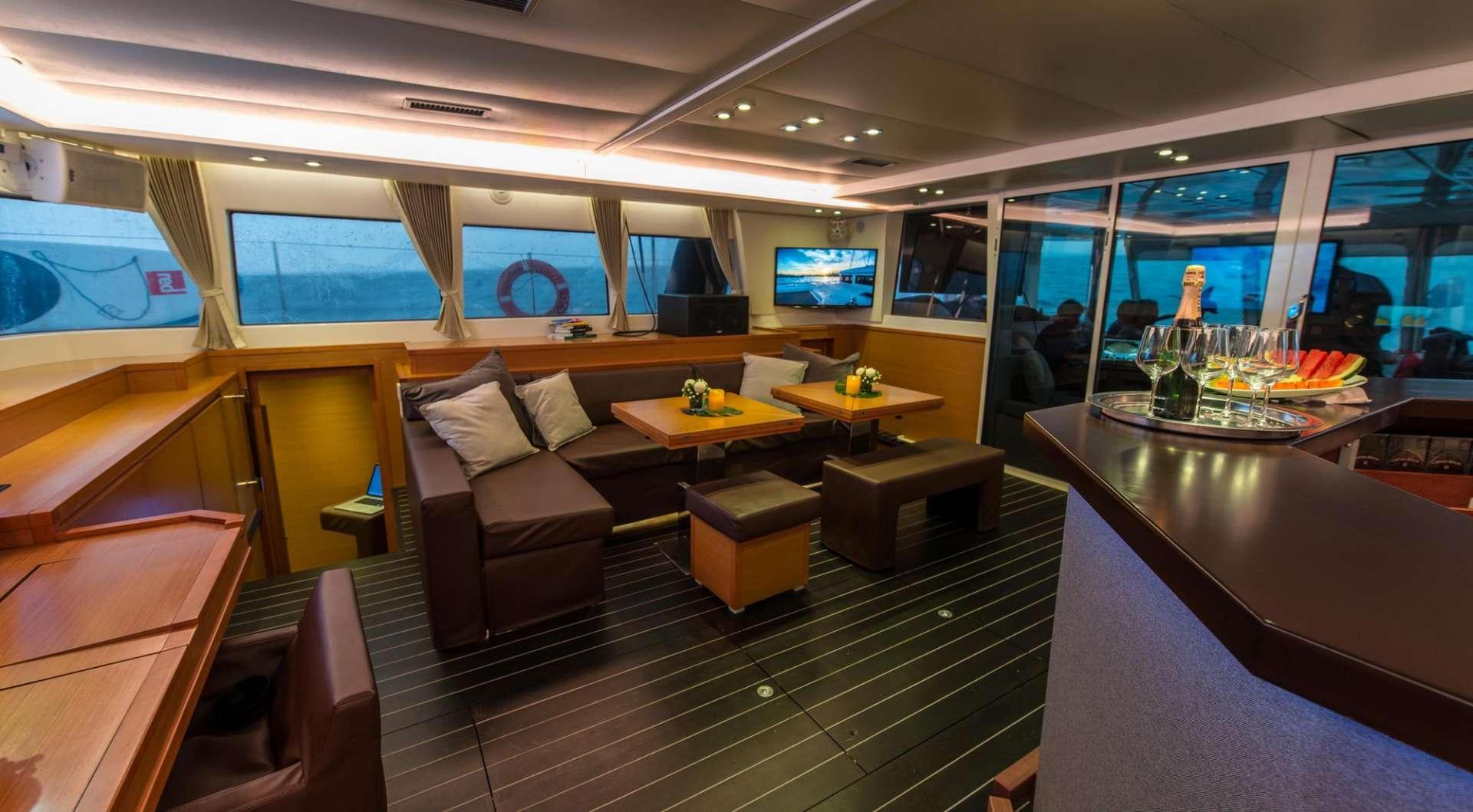 Yacht charter Primetime