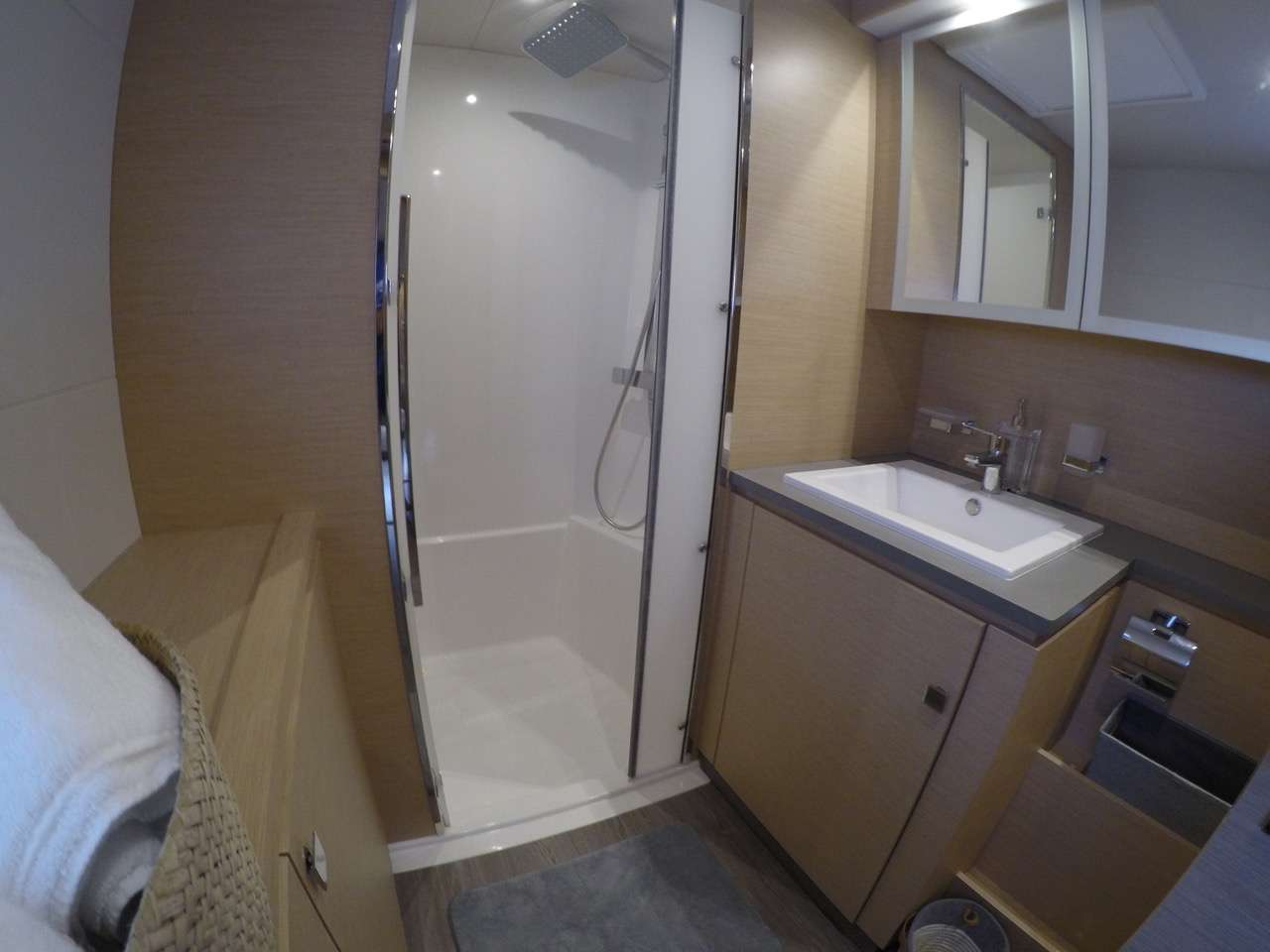Master cabin bath