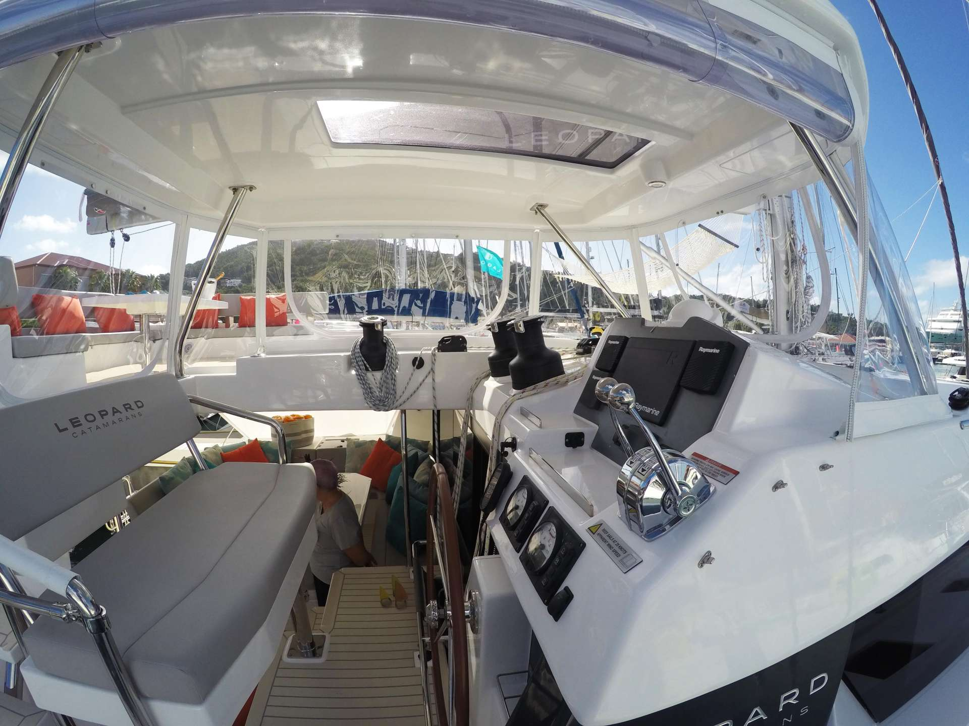 MOON BLOSSOM yacht image # 16