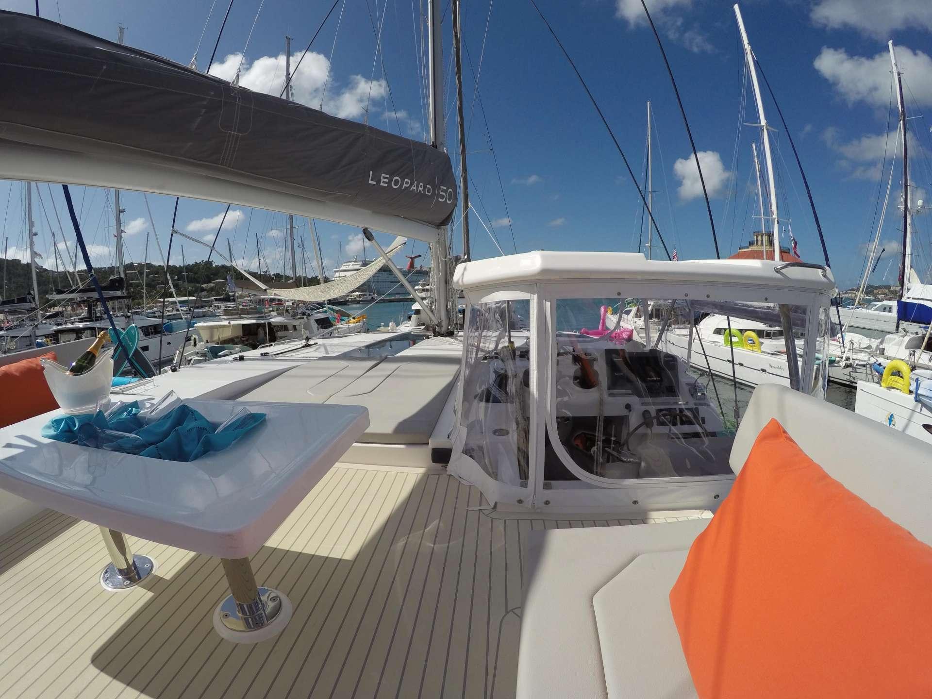 MOON BLOSSOM yacht image # 17