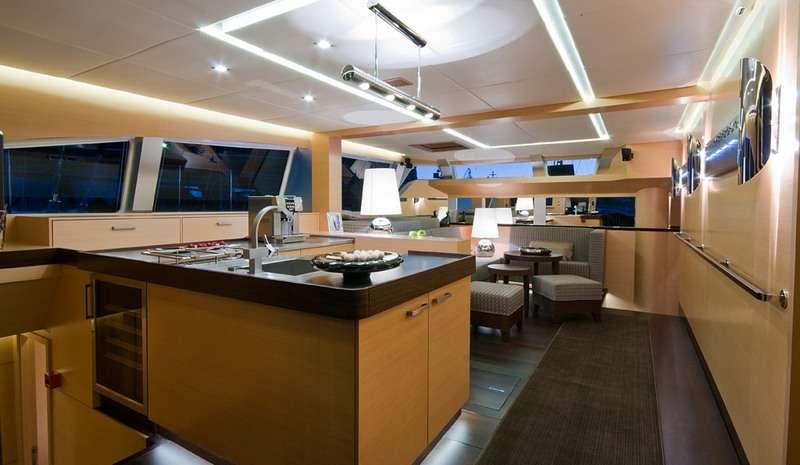 Yacht charter Ipharra