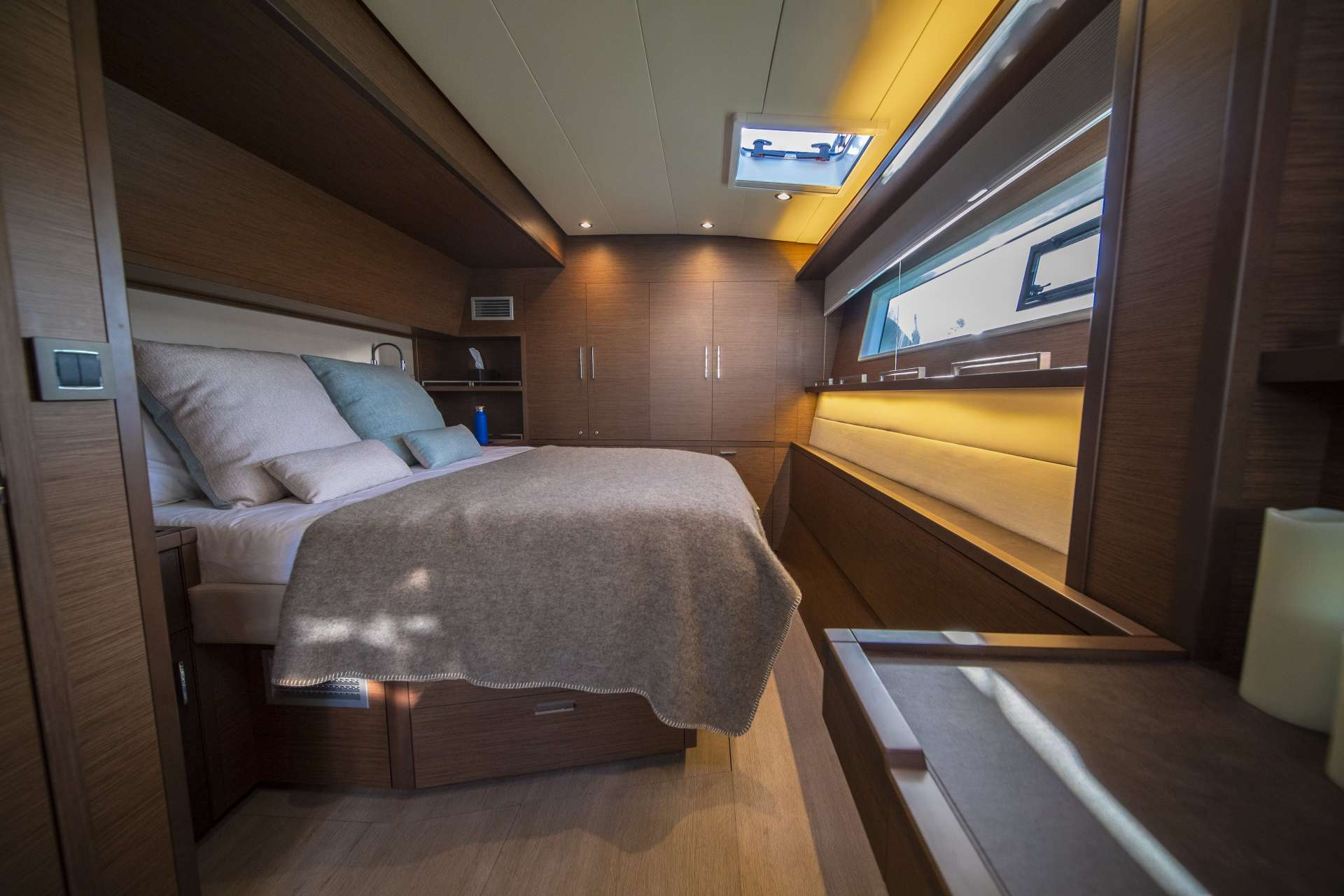 Charter Serenity Vii