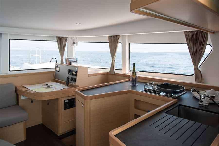 Catamaran Antares