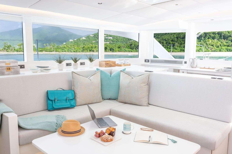 Catamaran Charter Voyage 590