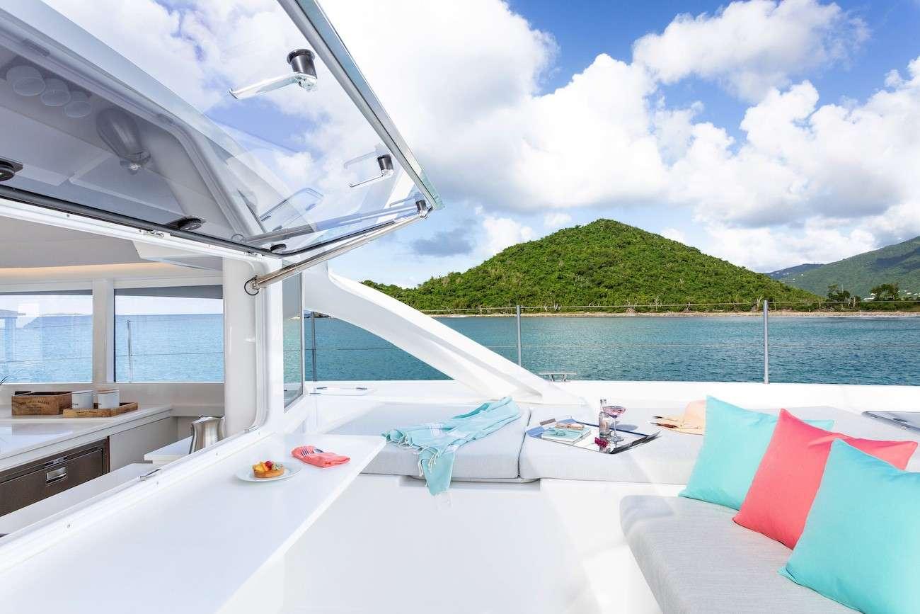 Catamaran Voyage 590