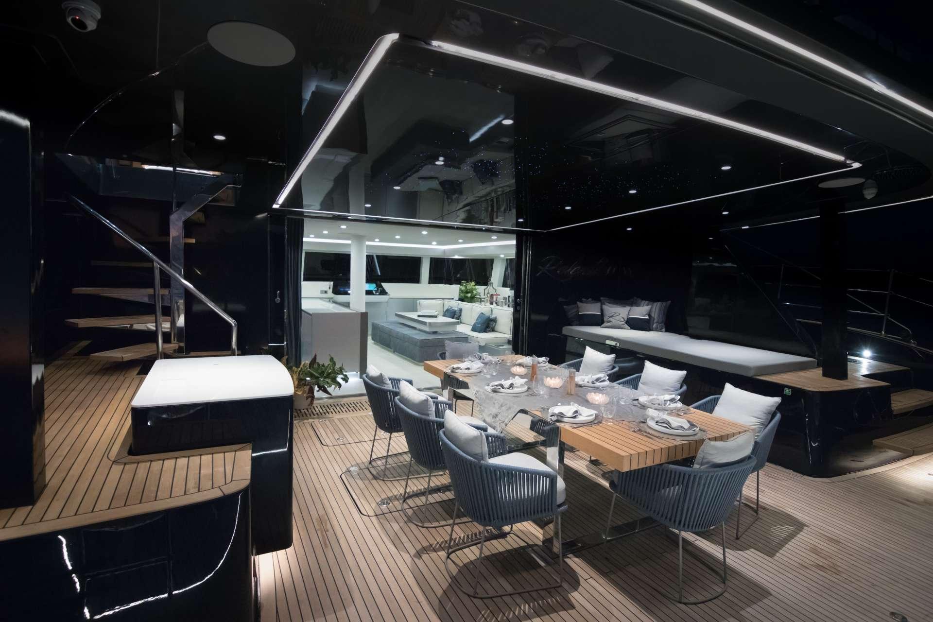 Aft deck lounge & alfresco dining